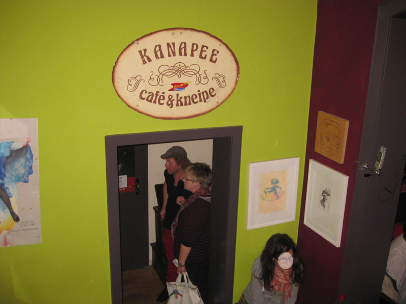 27.05.2013: Dirk Schäfer singt im Kanapee Lieder von Jacques Brel