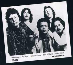 Man: Die Bandmitglieder (aus dem CD-Begleitheft von All's Well That Ends Well)